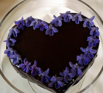 Violet Decoration Cake. V as in Viola. Blogging from A to Z April (2015) Challenge | My Green Nook